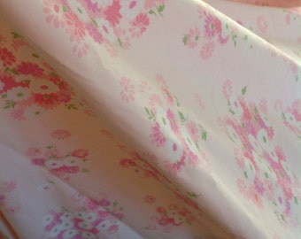 Vintage Pink Flat sheet....Pacific......Excellent condition.....Double/Full size.....