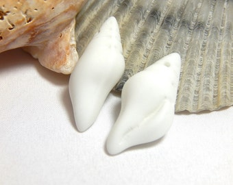 2 White Sea Glass Conch Shells, White Sea Glass Beads, Earring Size Shells, White Matte Glass Charms, Shell Charms, Shell Beads D-H18
