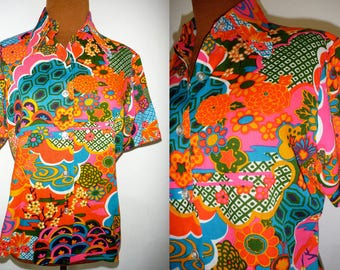 Vintage PSYCHEDELIC Shirt 60s 70s Floral HIPPIE Festival Women S Small M Medium Boho Short Sleeve Colorful Blouse Button Down Top