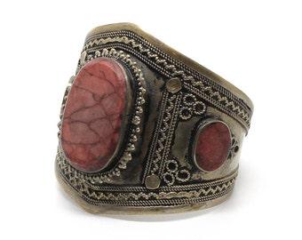 Cuff with 3 inlaid stones bracelet