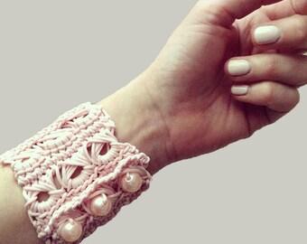 Broomstick cuff bracelet