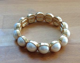 Antique style, pearl bracelet