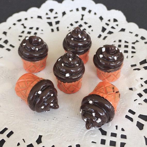 3pcs.14x19mm.Miniature Cabochon Cupcakes,Miniature Cupcakes,Cabochon,Resin,Miniature Sweet,Mobile Case Deco,Miniature puff