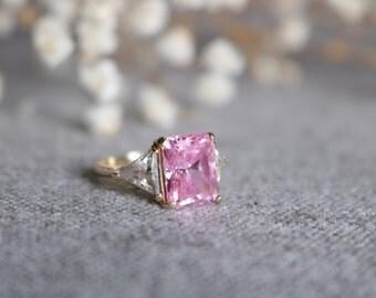 ELEGANT 10 karat Vintage rose Gem Women Ring Size 5