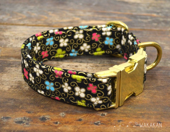 Fancy Garden dog collar. Adjustable and handmade with 100% cotton fabric. Xmas winter style. flowers and gold swirl. Wakakan