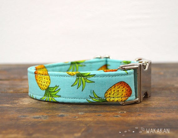 Pineapple dog collar adjustable. Handmade with 100% cotton fabric. Fruity pattern, summer and beach. Wakakan