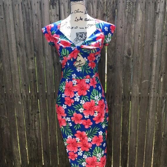 Tropical Peekaboo Keyhole Wiggle Dress