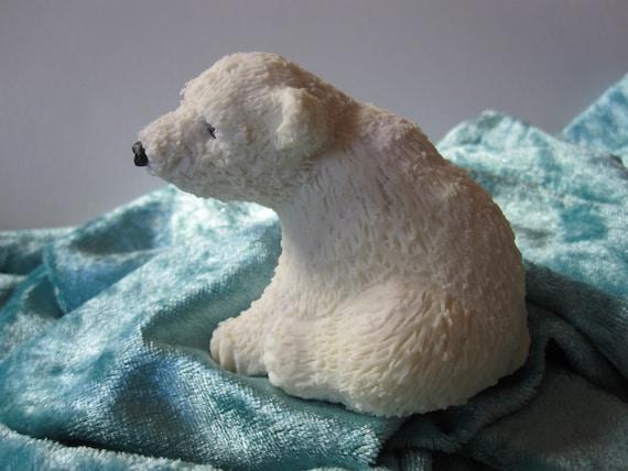 Porcelain white BEAR cold saeljana. Christmas and winter decoration. 4 models. B