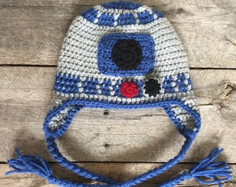R2D2 hat; star wars; robot hat.