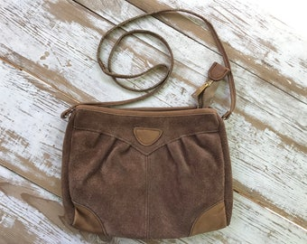 Vintage brown suede purse / shoulder bag / 80s suede purse