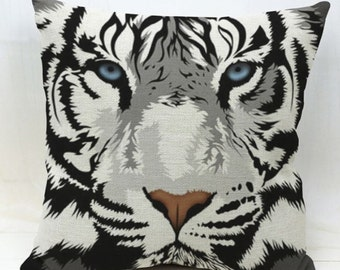 Snow Tiger, Big Cats - Pillow Cover