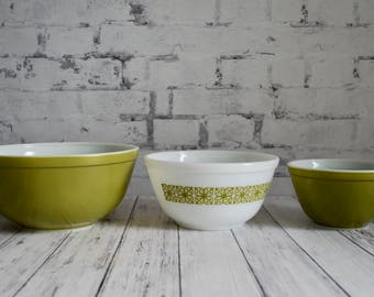 Pyrex Verde Square Flower Stacking Mixing Bowl Set, Pyrex Bowl Set 401, 402, 403, Pyrex Hibiscus Nesting Bowl Set