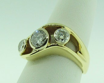 14 K gold and diamond vintage ring.
