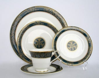 1 Place Setting, Royal Doulton England Carley Bone China Dinnerware Set, Vintage Tableware