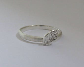 Ring with small Leaf - silver
