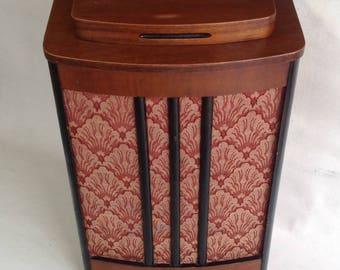 Vintage cabinet radio / Rogers Majestic /