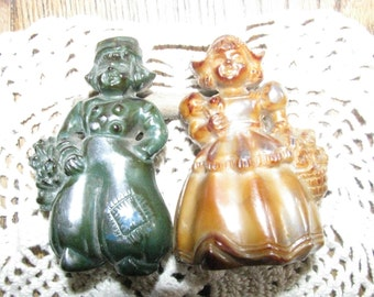 Vintage plastic Holland Couple salt and pepper shakers