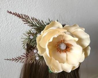 Magnolia hair clip, cream flower hair clip, flower fascinator, bohemian hair clip, decorative hair comb