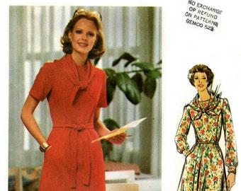 Butterick 5504 Sharp Slim Dress and Scarf / ca. 1970's SZ10 UNCUT
