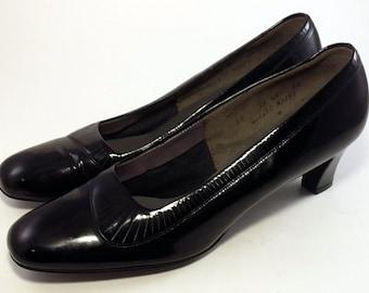 FLORSHEIM SERENADES Women's Shoes ~ Black Leather Vintage Pumps / Heels ~ 10 AA
