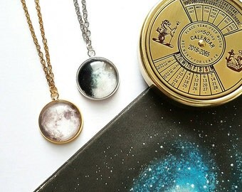CUSTOM Moon Phase necklace // Birthday Moon Phase Necklace // Moon Necklace// Space Necklace // Personalised Gift