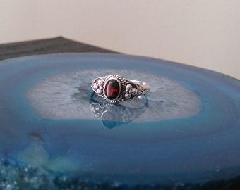 Vintage Garnet Sterling Silver Ring, 925, Size 7 1/2, Oval cut