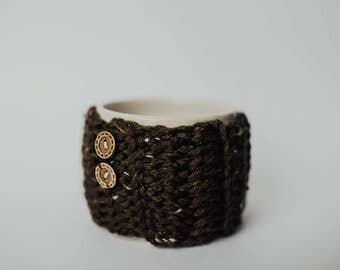 Tea / Coffee Mug Cozy - Crochet Brown with Wood Buttons