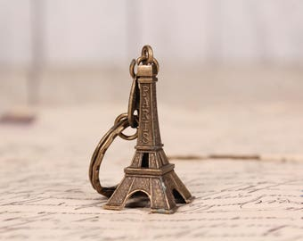 Eiffel tower key chain - Vintage Eiffel tower keychain - Paris France - Eiffel tower - French souvenir - Keyring pendant from Paris