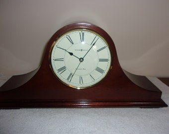 Vintage Howard Miller Mantel Clock Model # 635-101 with Westminister Chimes