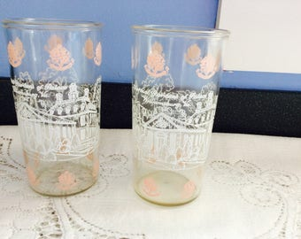 Vintage Drinking Glasses Colonial Williamsburg VA set of 2