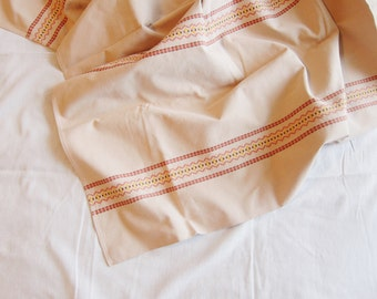 SALE // Vintage Embroidered Linen Tablecloth/Throw