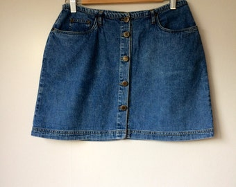 Ladies/vintage/denim/mini/skirt/1980s/1990s/trend/street style/fashionista/boho chic/medium/wardrobe staple/wardrobe basics