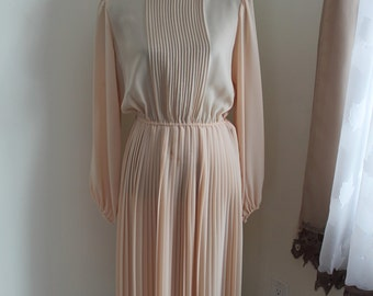 1970s Beige Peach Dress Evina by Ruth Ullmann, Sheer Pleats Button Back, Size Medium