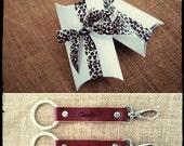 Personalized  Leather Keychain - gift idea -Custom Keyring - Keyholder - name - initials