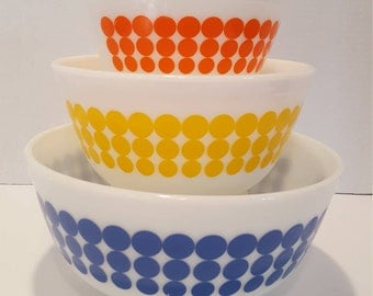 Rare Pyrex Dot Mixing Bowls set Nesting bowls 401-402-403
