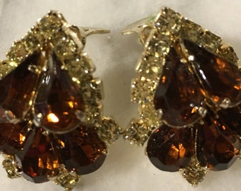 Gorgeous topaz and yellow rhinestone goldtone clip earrings 1950s era