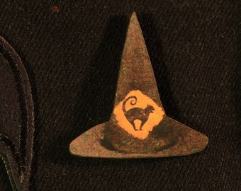 Witches Hat Pin Badge