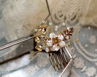 AMBRA | Petite Floral & Opal crystals comb