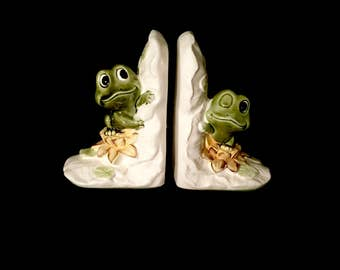Pair of 70's Ceramic Frog Book  Ends         GJ2620