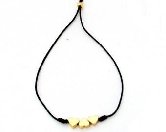 Bracelet three hearts thread