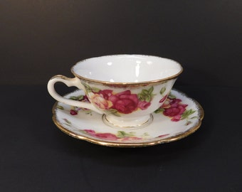 Vintage Japan Roses Tea Cup and Saucer, Collectible Tea Cup, Cottage Chic, Roses