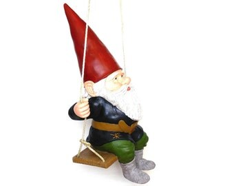 Gnome swinging an axe