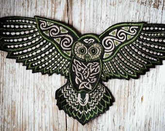 Big Celtic Owl Patch, Handmade Owl Embroidery, großer keltischer Eulen Aufnäher, Eule Stickerei, HANDMADE WITH LOVE, 20 x 12 cm