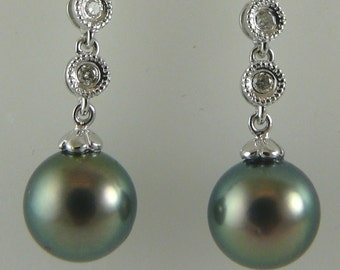 Tahitian Black 8.2mm & 8.3mm Pearl Earring with Diamonds 0.18ct 14k White Gold