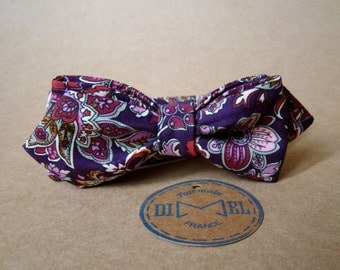 Bowtie printed flowered purple adjustable tie