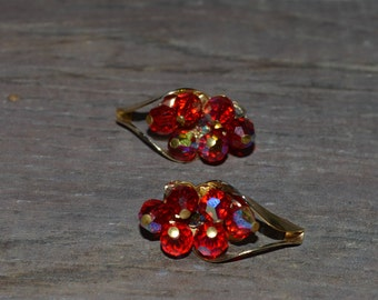 Vintage Red Aurora Borealis Earrings,  Red Earrings with Gold tone, Clip On Vintage Earrings