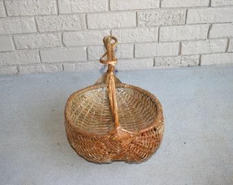 Large Old Buttocks Gathering Basket//Knotted Handle//Home Decor Basket//Vintage Basket