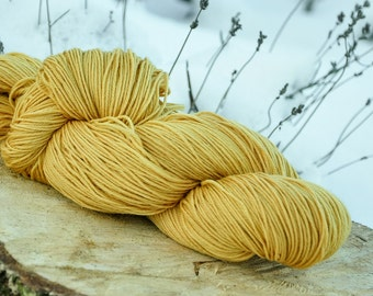 Plant dyed merino superwash sock wool, alder buckthorn bark, frangula alnus, 4-ply, 100g