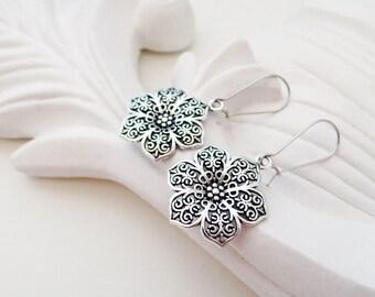 Silver Flower Earrings   Silver Filigree Earrings