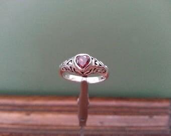 Vintage Garnet and Filigree Sterling Silver Ring - Size 7